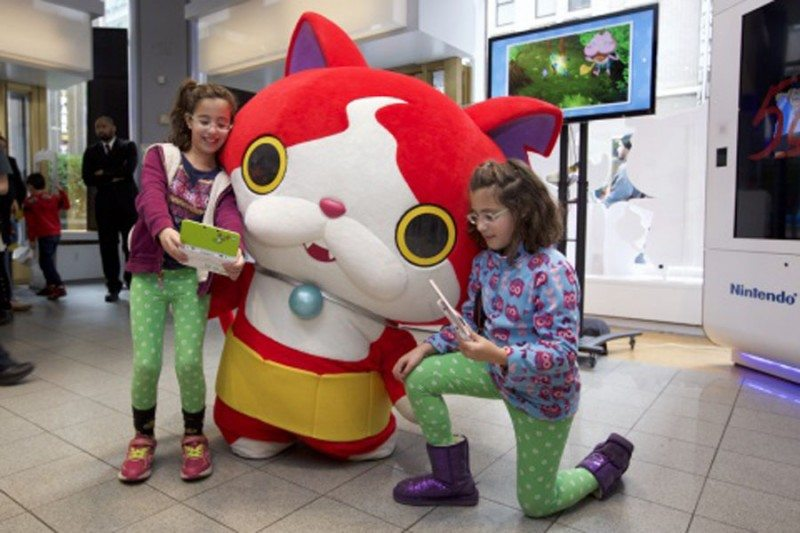 Play Nintendo's Hottest Games of the Holiday Season at Select Malls Across the U.S.