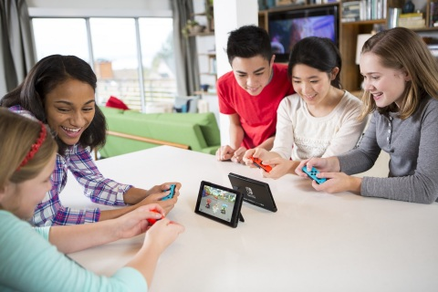 Nintendo Switch Was the Best-Selling Video Game System in April; Mario Kart 8 Deluxe the No. 1 Game